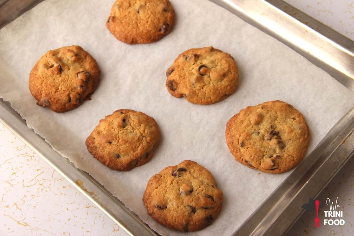 baked chocolate chip cookies