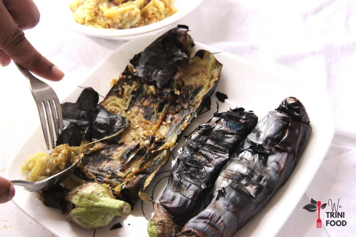 remove roasted baigan from charred skin