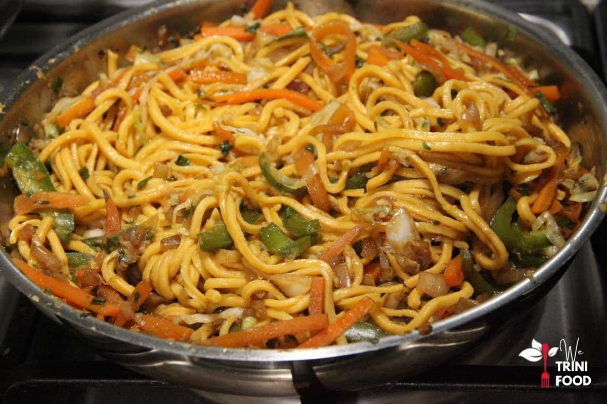 mixed chow mein noodles